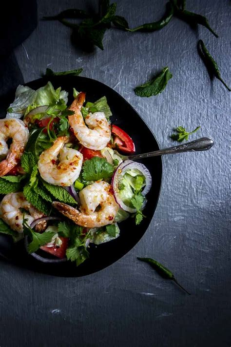 Get your heat on with this piquant keto salad that will surely awaken your senses and tease those hungry taste buds! Spicy Thai Shrimp Salad (Pla Goong) - Divabler