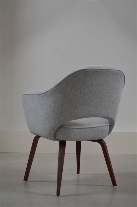 early saarinen arm chair with wooden legs for sale at 1stdibs