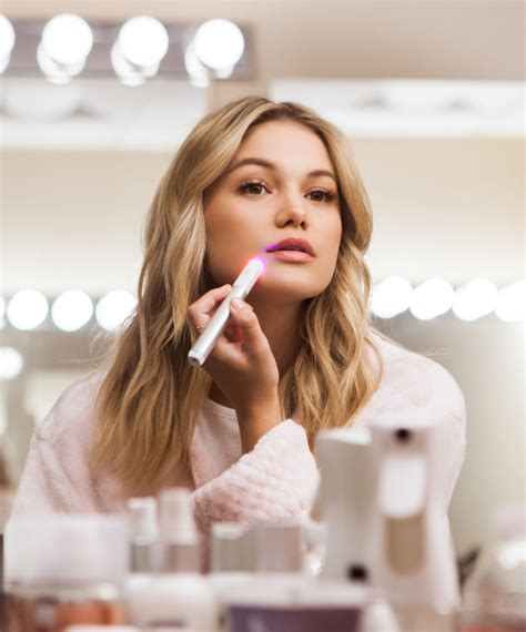 Light Therapy Acne Spot Treatment | Neutrogena®