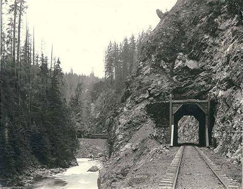 filepassenger train  tracks   everett  monte
