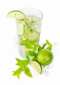Service à Mojito : mohito mojito drink with lime and mint stock photo image of lemonade herb 36227890 ~ Teatrodelosmanantiales.com Idées de Décoration