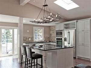 Bamboo kitchen cabinets pictures options tips ideas for Kitchen cabinet trends 2018 combined with ny giants wall art