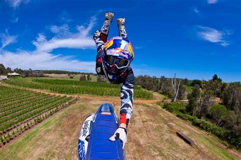 video motocross freestyle freestyle motocross redbull bikes pinterest oakley