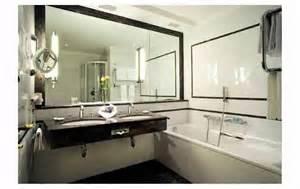 wandstreifen ideen ideen badgestaltung fliesen kreative deko ideen und innenarchitektur