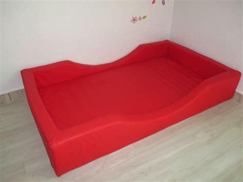 cama de espuma  colchao  quarto montessori