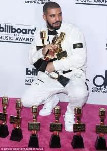 Drake wins 13 Billboard Awards BREAKING Adele's record ...
