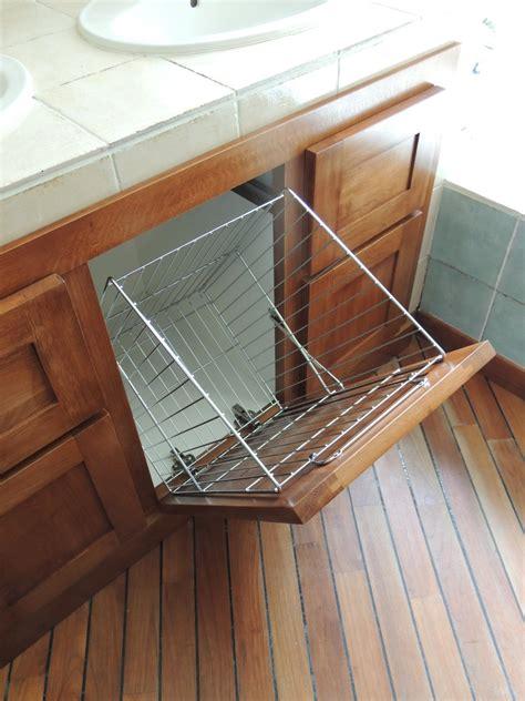 meuble salle de bain panier a linge integre salle de bain wc