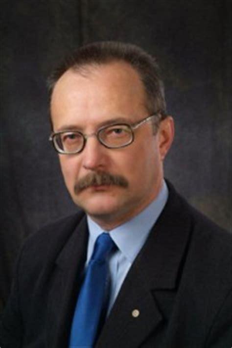 Mueve las palabras debajo de la foto correcta. Profesor Stanisław Krawczyński rektorem Akademii Muzycznej w Krakowie - Kultura - Radio Kraków