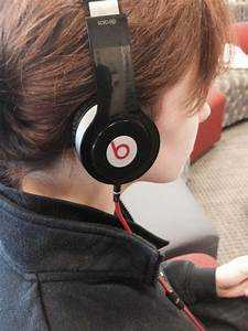 Classic headphones make a comeback | King Street Chronicle