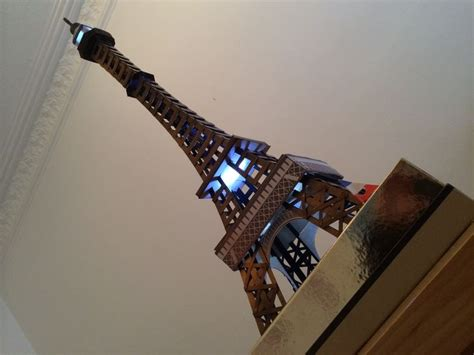 Sprei Eiffel Tower model of eiffel tower created with black