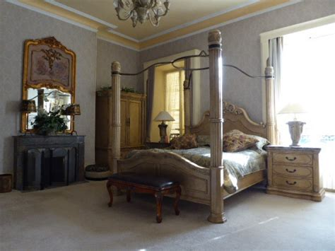 19th century chateau in 13 acre walled garden in immaculate condition