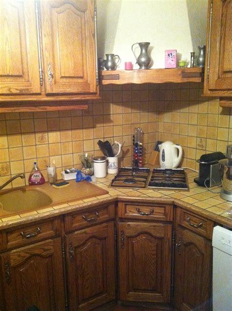 eclaircir une cuisine en chene fonce cire teint dans la