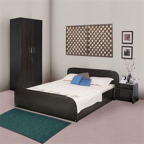 kurlon woodz bedroom set queen size bedtwo door wardrobe