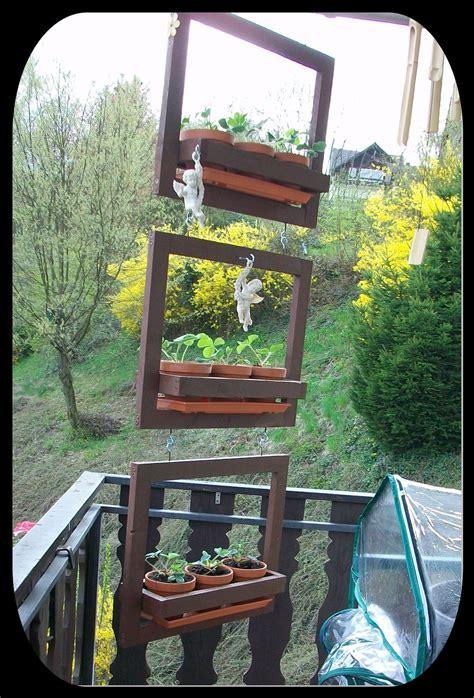 Hängende Blumen Balkon by H 228 Ngendes Kr 228 Uter Blumenregal Anleitung Zum Selber Bauen