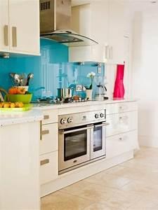 Küche Fliesenspiegel Plexiglas : k chenr ckwand aus glas der moderne fliesenspiegel sieht so aus ~ Markanthonyermac.com Haus und Dekorationen