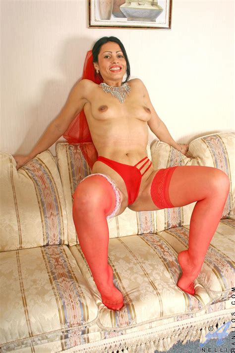 freshest mature women on the net featuring anilos nelli milf picture