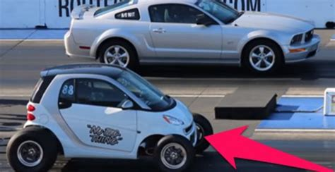 Vs Smart Car by Smart Car Totally Destroys A Mustang In A Drag Race And We