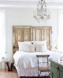 Schlafzimmer Vintage Style : tete de lit a faire soi meme portes de bois brut aspct us with deco campagne chic chambre ~ Michelbontemps.com Haus und Dekorationen