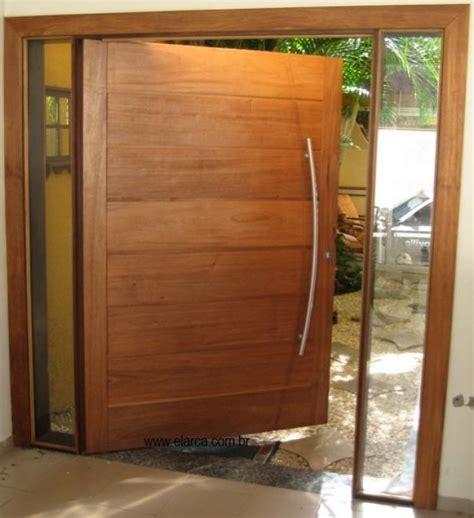 Porta The by Porta De Madeira Pivotante Modelos E Modernas Construdeia