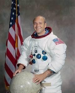 Ronald Evans (astronaut) - Alchetron, the free social ...