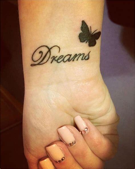 tatouage poignet femme papillon acidcruetattoo