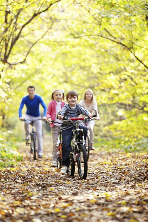 10 Fun Family Activities for Fall - tipsaholic