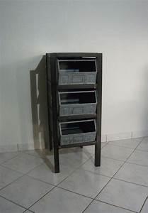 Rangement Métallique Industriel : meuble industriel de rangement chiffonnier style vintage industriel avec casiers metalliques ~ Teatrodelosmanantiales.com Idées de Décoration
