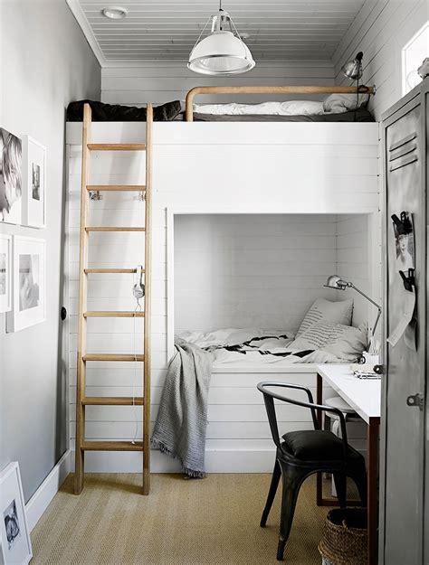 la casa minimalista de una estilista de interiores nordica