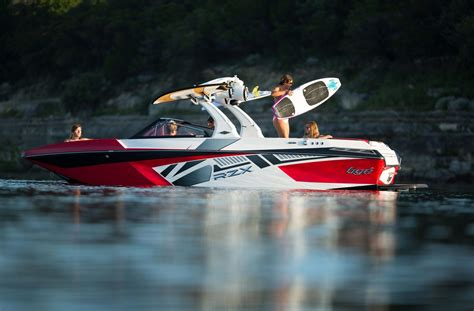 Wakeboard Boat Financing by Wakeboard Boats Pontoons Boats Tige Boats Avalon