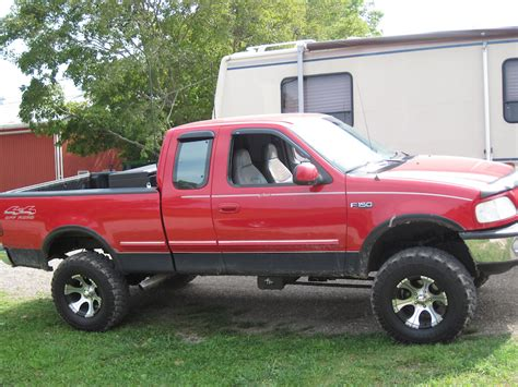 ford    road lariat lifted sell  trade