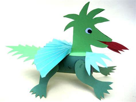 basteln mit kindern kostenlose bastelvorlage tiere drache aus papier
