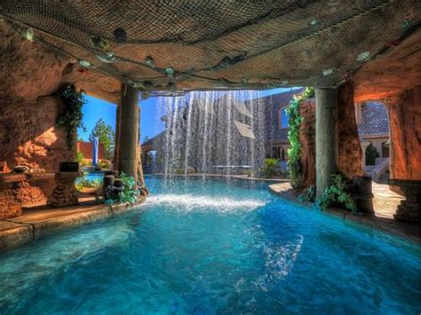 3ders  This Stunning Luxury Swimming Pool Was