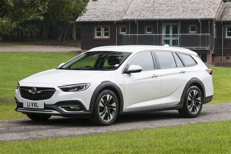 review vauxhall insignia country tourer