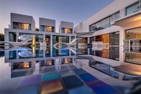 Segmented Cubes Residence Israel by 以色列大气豪华别墅设计 设计之家