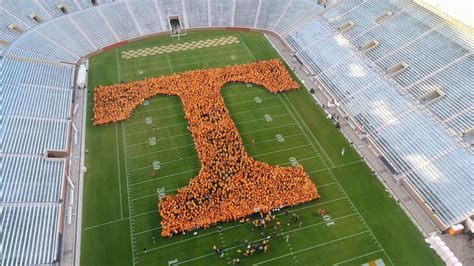 ut breaks guinness world record  largest human letter al roker   today show cover