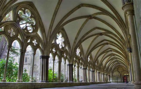 Salisbury Cathedral Cloister Garden