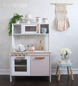 Ikea Duktig Rückwand : 16 diy play kitchen ideas tutorials tip junkie ~ Frokenaadalensverden.com Haus und Dekorationen