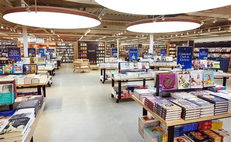 Galleria Barnes And Noble by Look The New Barnes Noble Mpls St Paul Magazine