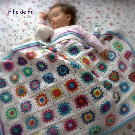 plaid et jeté de canapé couverture plaid bébé au crochet square