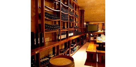 amenagement cave a vin en bois massif barrique meuble de