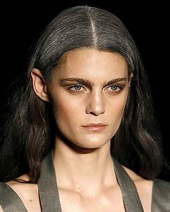 Graue Haare Farben Ansatz