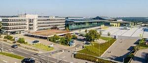 Hotel Domizil Stuttgart : le kongresshotel flughafen in bau deutsches architektur forum ~ Markanthonyermac.com Haus und Dekorationen