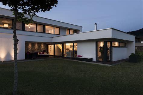 Modernes Haus L Form by Einfamilienhaus Rankweil Modern Massivbau L Form