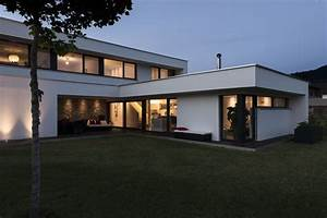Haus L Form : einfamilienhaus rankweil modern massivbau l form moderne architektur flachdach haus ~ Buech-reservation.com Haus und Dekorationen