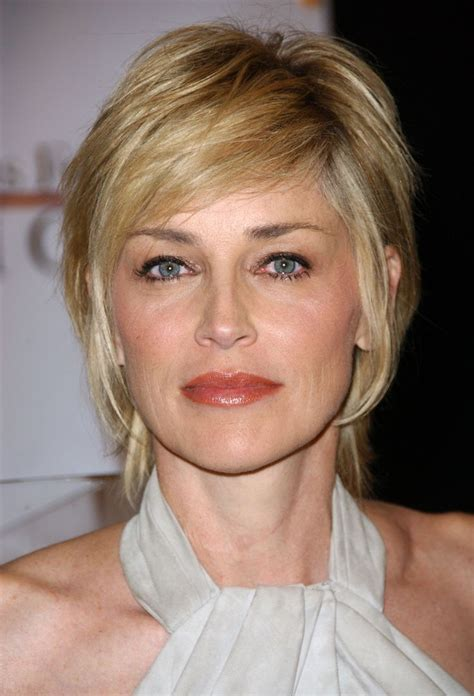 images of medium length haircuts 1000 ideas about hairstyles on 2042
