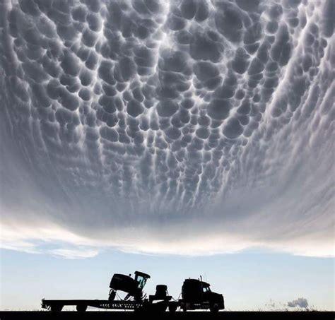 Mammatus clouds   Mammatus clouds, Nature photography, Clouds