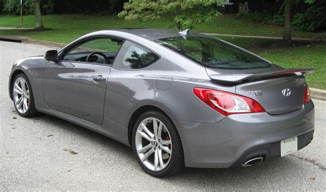 In contrary this one will be weird if it is used in the big city situation where there must be another way of getting the impression through. 2010 Hyundai Genesis 4.6 - Sedan V8 auto