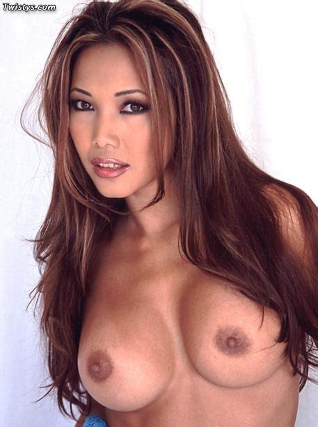 Sexy Asian Pornstar Teanna Gets Naked Coed Cherry