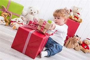 Idée Cadeau 1 An : cadeau b b 1 an fille ou gar on les meilleures id es de jouets offrir ~ Teatrodelosmanantiales.com Idées de Décoration