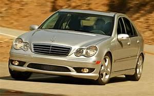 Mercedes Classe C 2005 : mercedes benz classe c des toiles moins brillantes mercedes benz classe c 2005 guide auto ~ Medecine-chirurgie-esthetiques.com Avis de Voitures